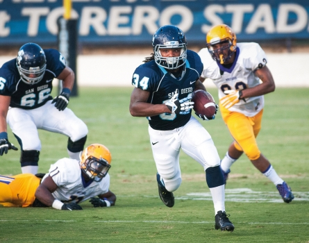 University-of-San-Diego-Football-vs-WNMS-San-Diego,-CA