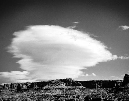 Cloud-Capitol-Reef,-UT