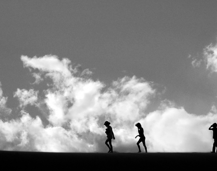 Kids-and-Clouds-Death-Valley,-CA