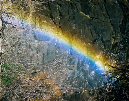 Bridalveil-Fall-Rainbow-Yosemite,-CA