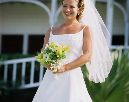 Frame-Wedding-Bride-St-Kitts,-West-Indies